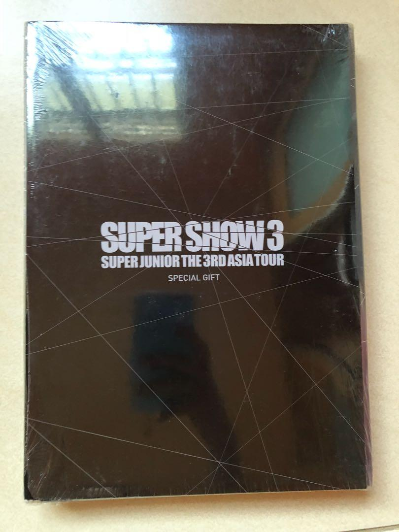 Super Junior Super Show 3 special gift photobook with postcard