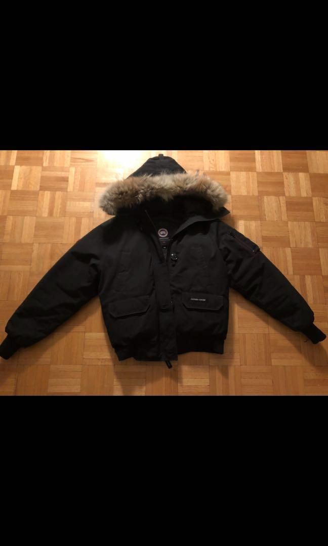 Women's Canada Goose Chilliwack Bomber Jacket. 9.5/10 condition, size medium and has only been worn twice.