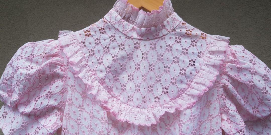 Pink lace vintage puff sleeved dress Petite Size
