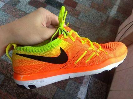 正品 Nike Flyknit Running Trainers 超輕量 運動鞋 慢跑鞋 耐吉