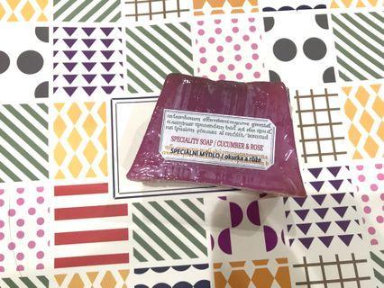 菠丹妮 玫瑰小黃瓜手工皂125g梯型