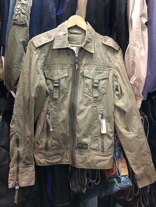 M號DIESEL 仿舊設計 外套 不是加厚 非常帥一件❤️ 黃62