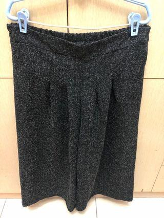 深灰色寬褲