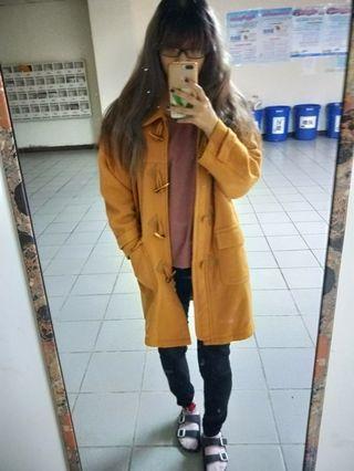 亮黃色 牛角  大衣