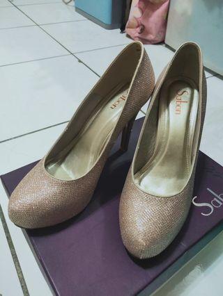 Sabon高跟鞋25/40 板橋遠百購買  .僅在室內試穿