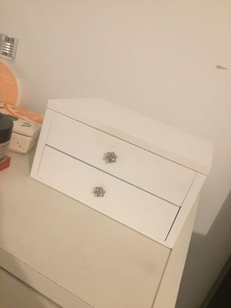 Jewelry box - beautiful, white with velvet interior & mirror