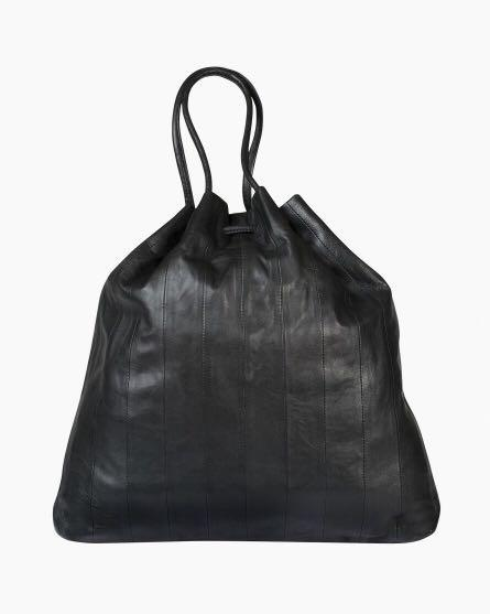 芬蘭Marimekko 黑色羊皮包,優惠大降價9500!買就送CLIO染唇液