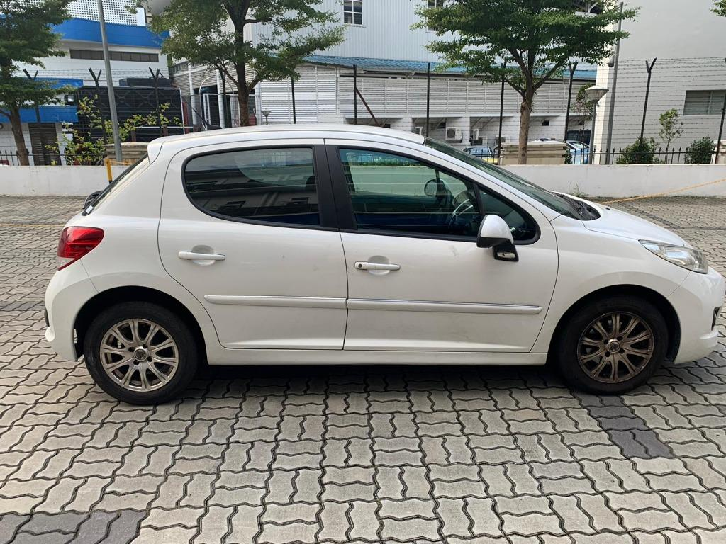 Peugeot 207 - - $500 DRIVEAWAY! What are you waiting for!!! @ 97396107