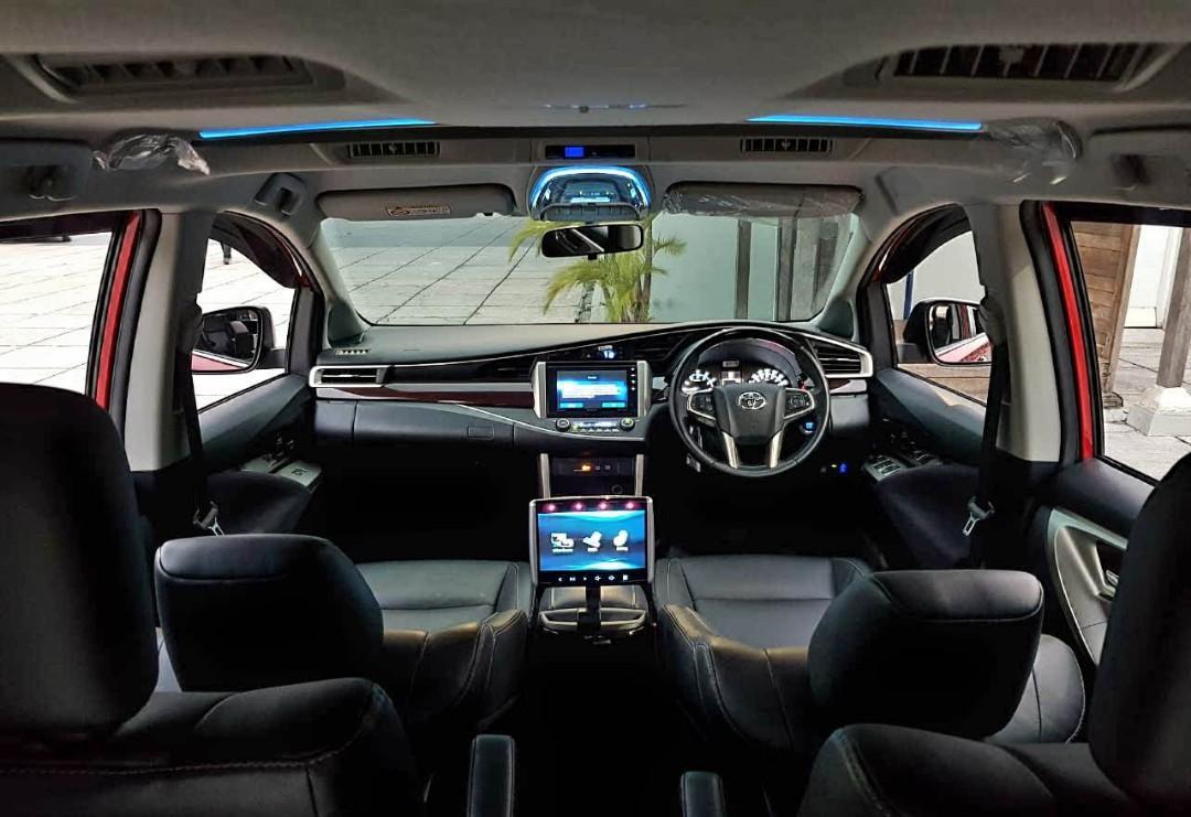 Toyota Innova Venturer 2.0 AT bensin 2017 dp 29 jt bawa mbl