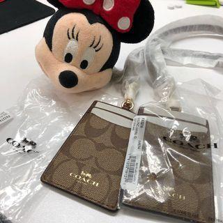 空姐帶回🎄聖誕交換禮物🎁 正品coach 掛脖證件套/悠遊卡套 剩1個 $799/個