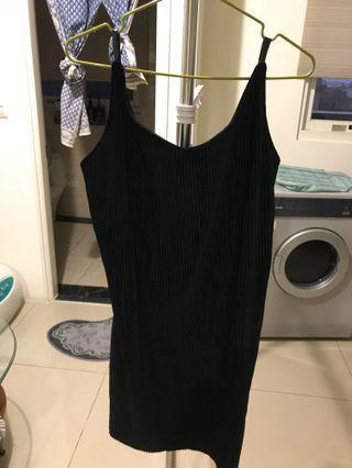 性感黑色小洋裝🖤🖤