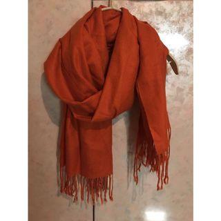 橘色薄款造型披肩圍巾