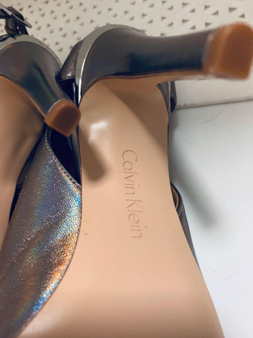 Calvin Kline gold shimmer brand new 7.5 leather shoes