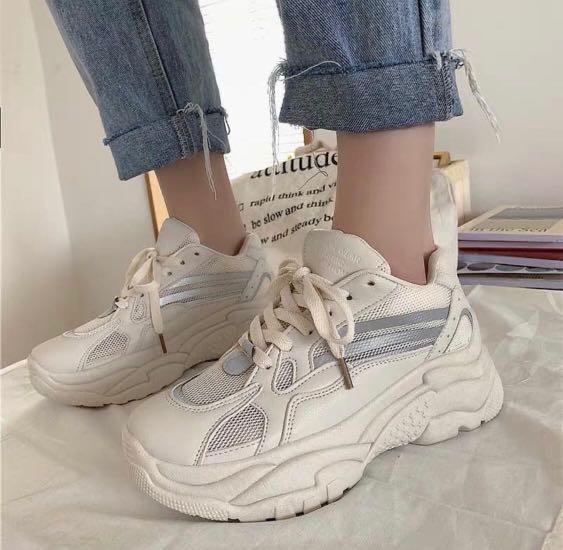 Korean White Sneakers, Women's Fashion