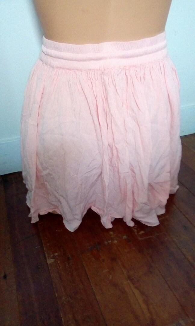 Prettiest apricot pink high waist flowy skirt small