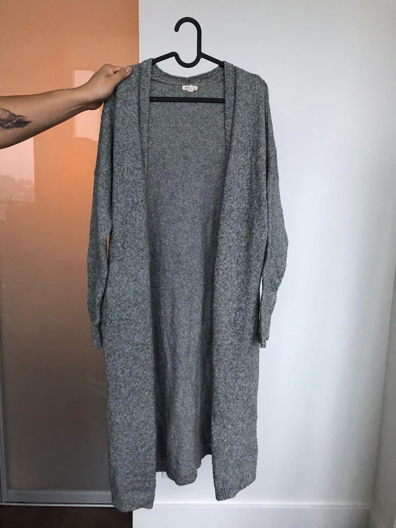 URBAN OUTFITTERS Loose Fit Grey Cardigan - size small