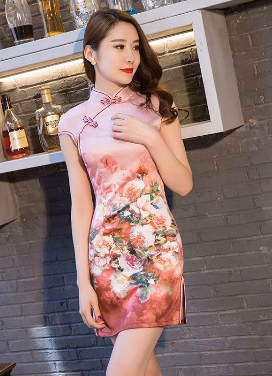 Chinese Traditional Dress Floral Cheongsam
