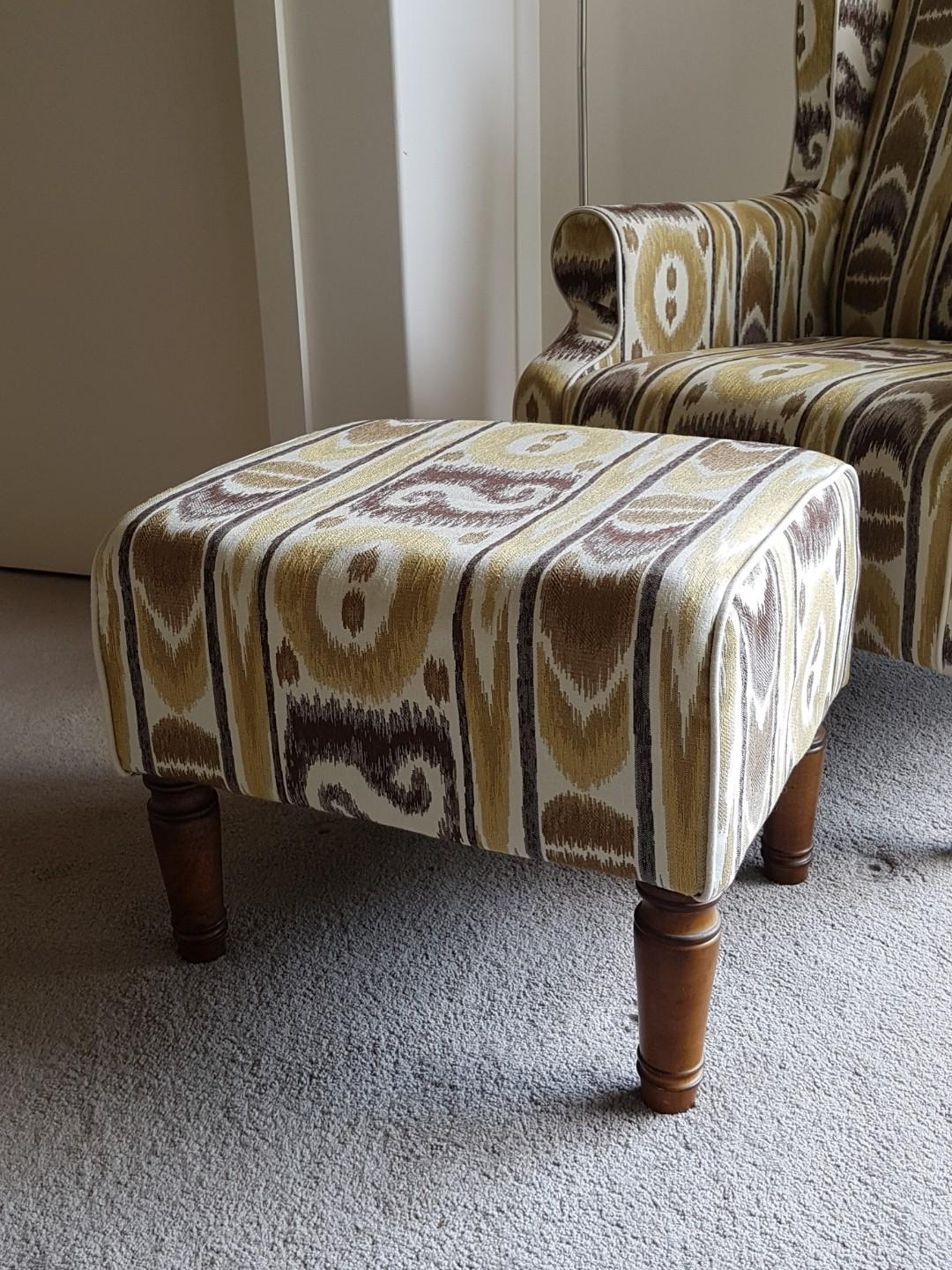 CLASSIC WING BACK CHAIR WITH MATCHING FOOTSTOOL - TURNED TIMBER LEGS