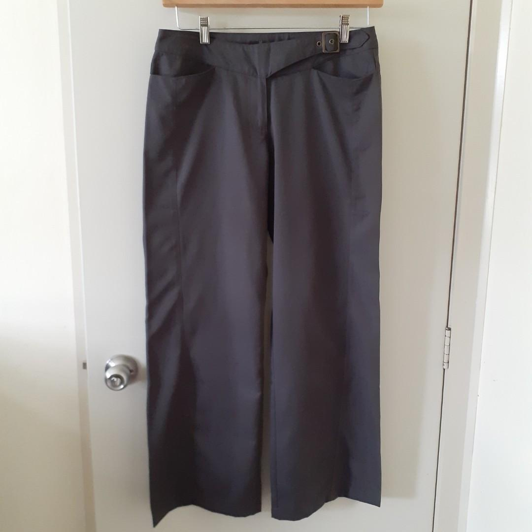 Kathmandu pants in size 10 (fit to people with size 12-14)