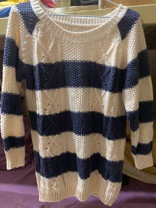 藍白條紋毛衣