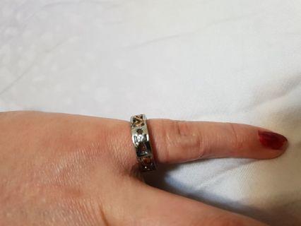 全新時尚鋼戒指唯此一個
