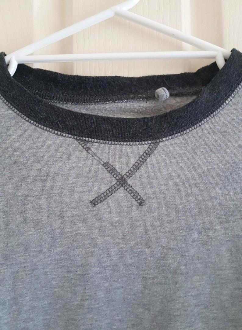 - Size M - Good condition - Slight wear & tear on stitching