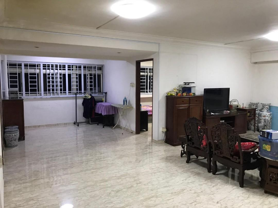 Do Not Missed! Rare Corner Executive Apartment, Near Amenities for Sale!