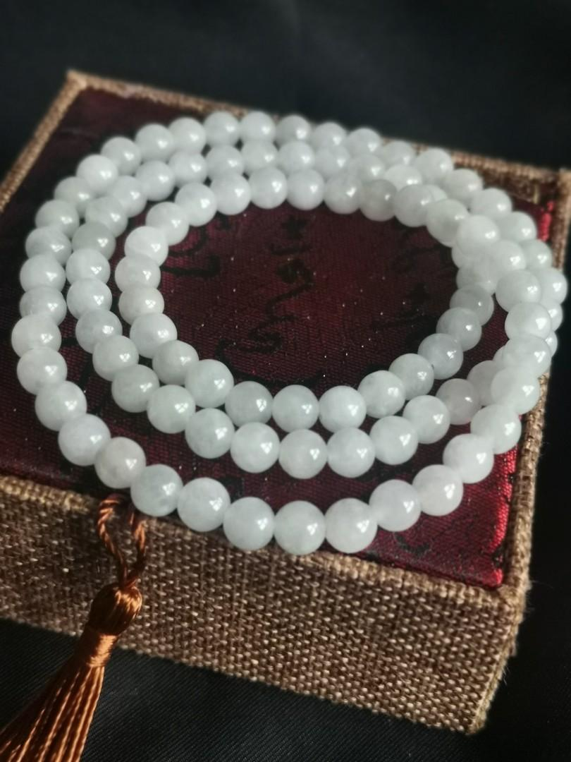 Type A jadeite pearly light lavender bracelet (淡紫底珠串)
