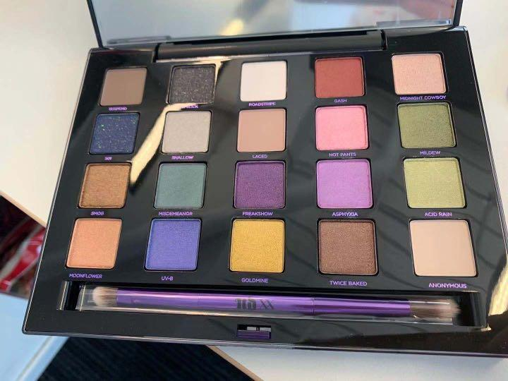 Urban Decay Vice LTD Reloaded Eye Shadow Palette - MELB STOCK