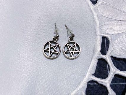 五芒星耳環