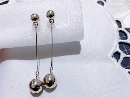 圓球垂墜耳環
