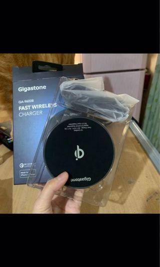 Gigastone 無限充電器 黑色