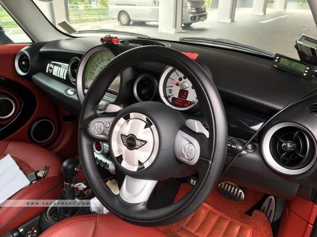 MINI Cooper 1.6 S (A)