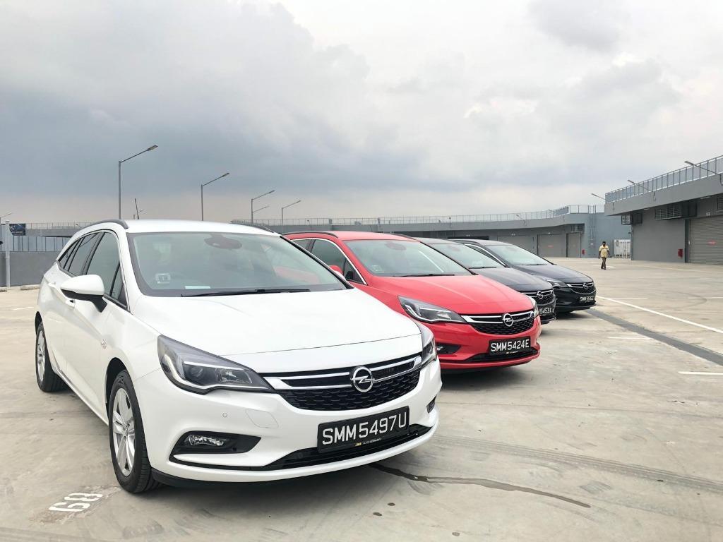 Opel Astra **Promotion** rental PHV