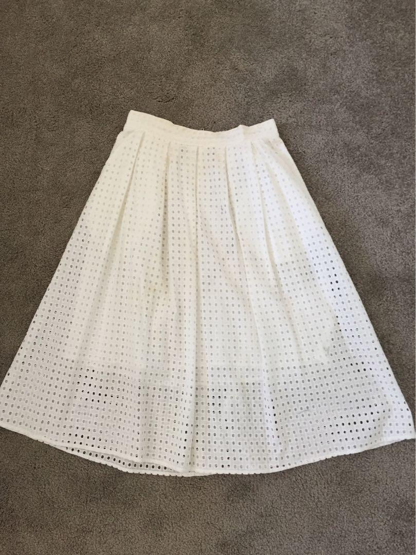 Sportsgirl size 6 white flare skirt good condition