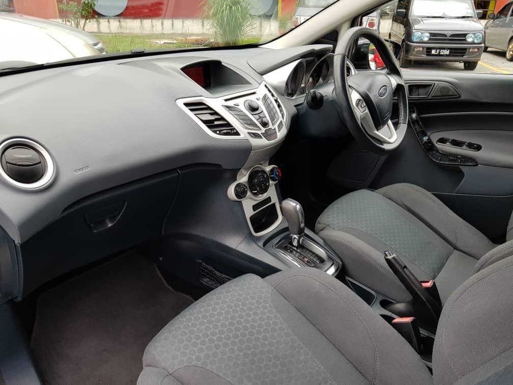 2011 Ford FIESTA H/Back 1.6 (A) Muka 1K Loan Kedai