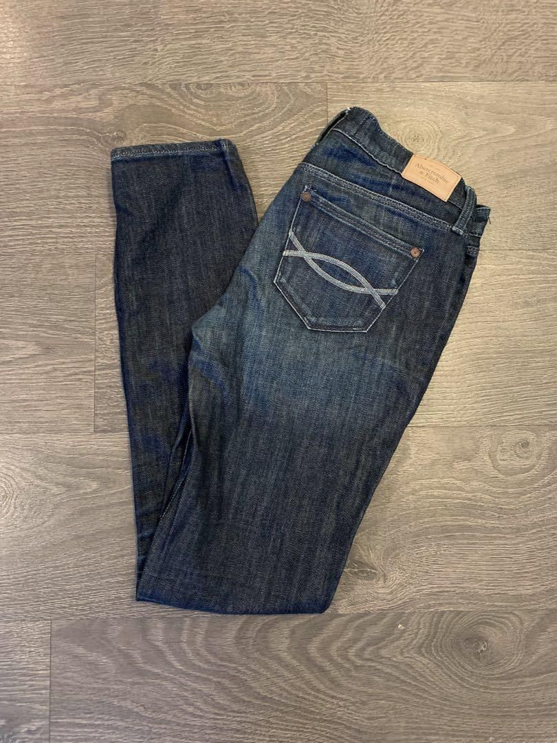 Abercrombie and Fitch Dark Blue Skinny Jeans Size 26