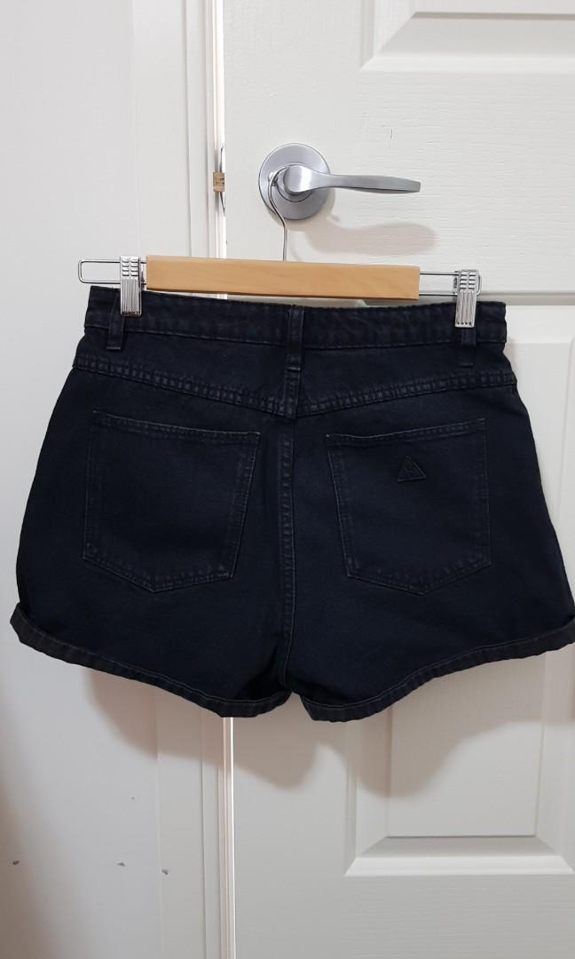 Abrand Jeans high-waisted relaxed fit black denim shorts