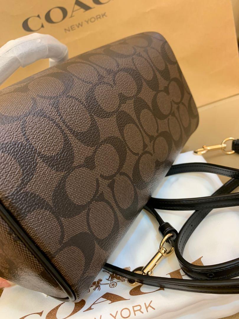Ready stock Authentic Coach Mini Bennett 32203 sling bag handbag