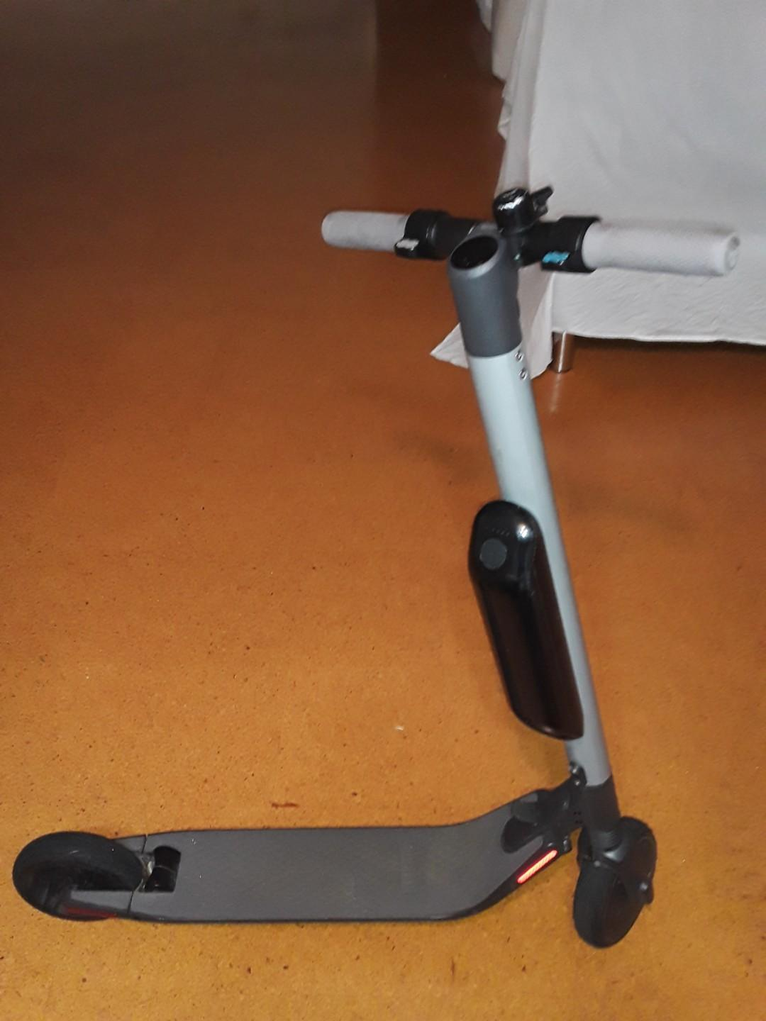 Segway ninebot electric scooter with external battrie