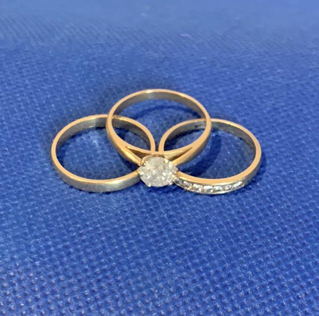 Stunning Value.. 18k Bridal Ring Set (3) .. 1.32 k Solataire