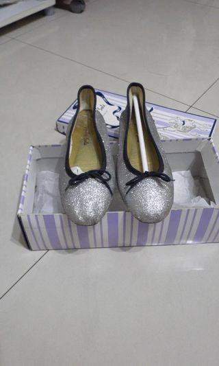 #出清 2019 London sole 金蔥黑邊 銀色 圓頭鞋 芭蕾舞鞋 平底鞋