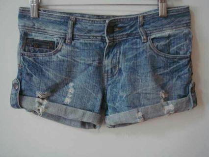 JU FU BEST後環扣造型刷破反摺褲管百搭牛仔褲短褲熱褲流行休閒褲