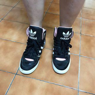 Adidas高筒