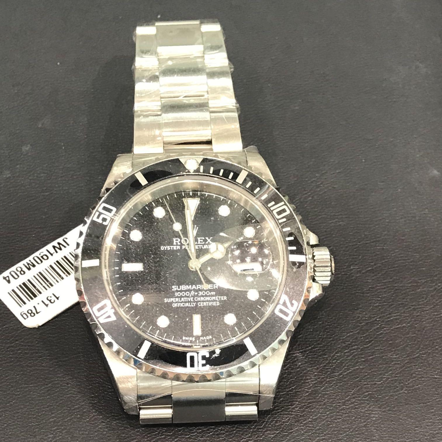 CLEARANCE SALES {Luxury Dress Watch - ROLEX Boy} Gorgeous & Beautiful White Gold Black Dial Authentic ROLEX SUBMARINER Oyster Perpetual  Model 16610 Come With Original Bracelet - No Pin Hole