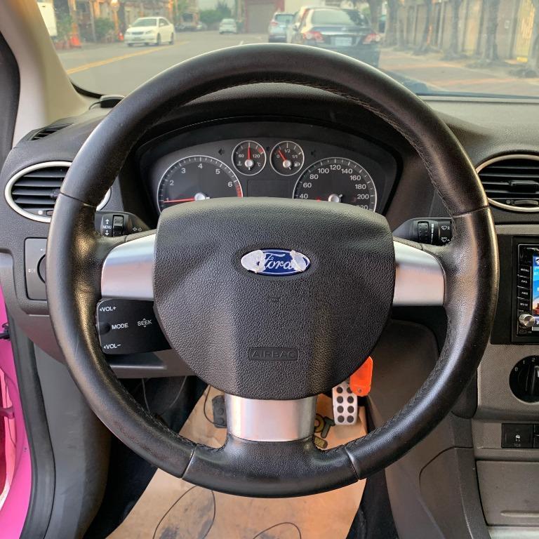 福特Focus-粉色2005年2.0cc 手排