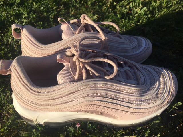 Nike Air Max 97 in excellent condition light pink sz 7 PRICE REDUCED