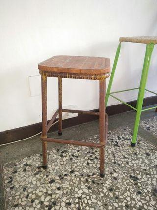 台灣早期鐵椅凳 斑駁椅面   台灣早期老家具