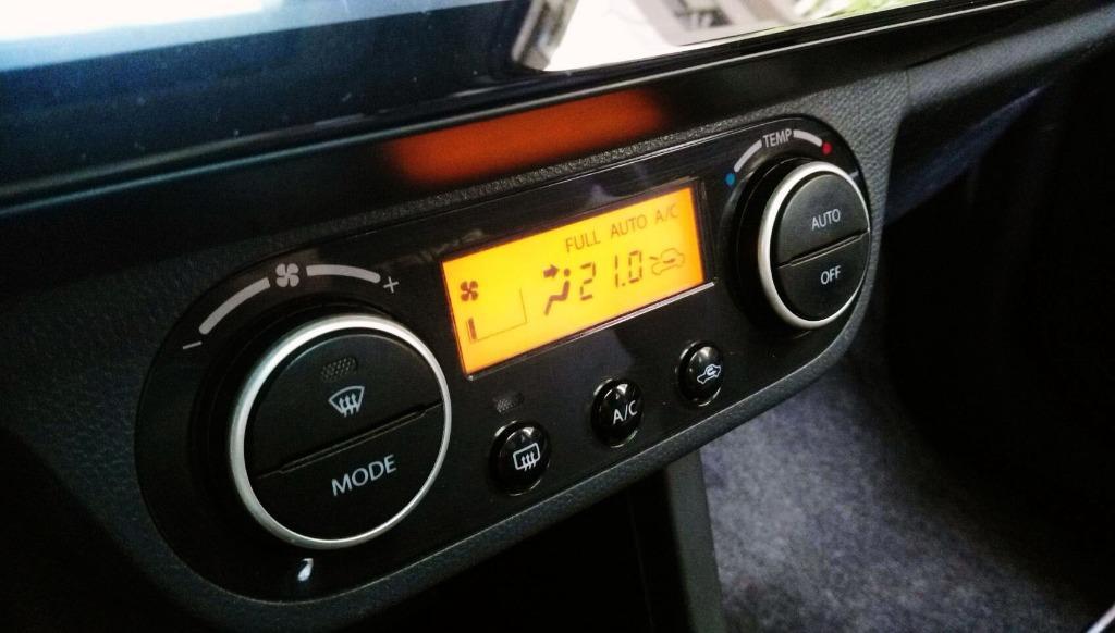 五門掀背小車 銷售冠軍之一 SWIFT 頂級配備 I KEY T3包 雙出尾管 尾翼 一看外表你就會喜歡 I KEY 多功能安卓機 電動天窗 配備最好