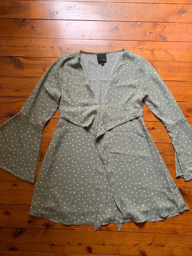 Alice In The Eve Size S / 10 Green Polka Dot Long Sleeve Dress